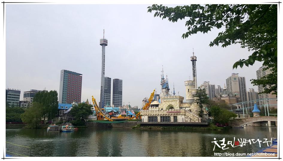 롯데월드타워와 석촌호수