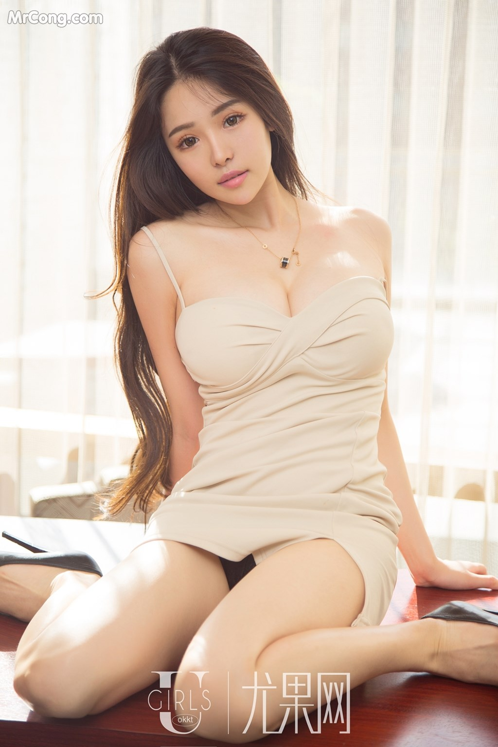 hot & cute Chinese glamour
